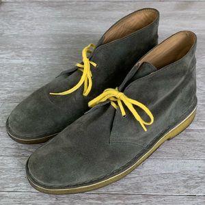 Clarks Original Desert Boots in Olive Green. 9.5M